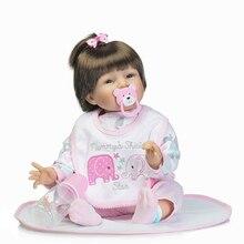 Linda muñeca reborn de 55 cm con pijama