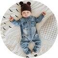 2017 Dril de Algodón Suave Bebé Graffiti Ropa Infantil Del Mameluco Del Mono Recién Nacido Del Niño de Los Bebés Niñas Traje de Vaquero Jeans de Moda de Los Niños