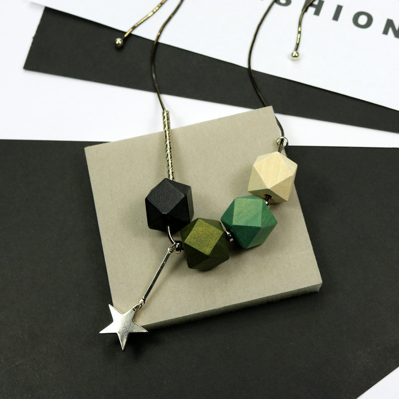 New Woman Star Pendant Geometric Wood Beads Designer Necklace Green / Blue Color Elegant Fashion Jewelry Long Sweater Chain