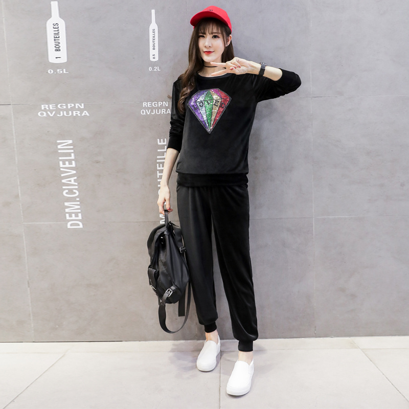 Maternity qiu dong outfit suits the new fashion style han edition of leisure sports in two golden velvet suit tide mom in the spring of the new han edition cuhk boy sports leisure fleece two piece outfit