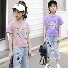 цена на kids clothes Girls summer 2019 new fashion short-sleeved T-shirt 7 points denim shorts 2-piece suit popular suit children sets