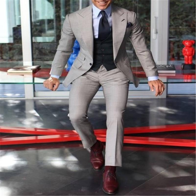 Design Light Gray With Black Vest Mens Wedding Dress West Slim Fit 3 Piece Tuxedo Custom Groom Suit Ball Suit Jacket