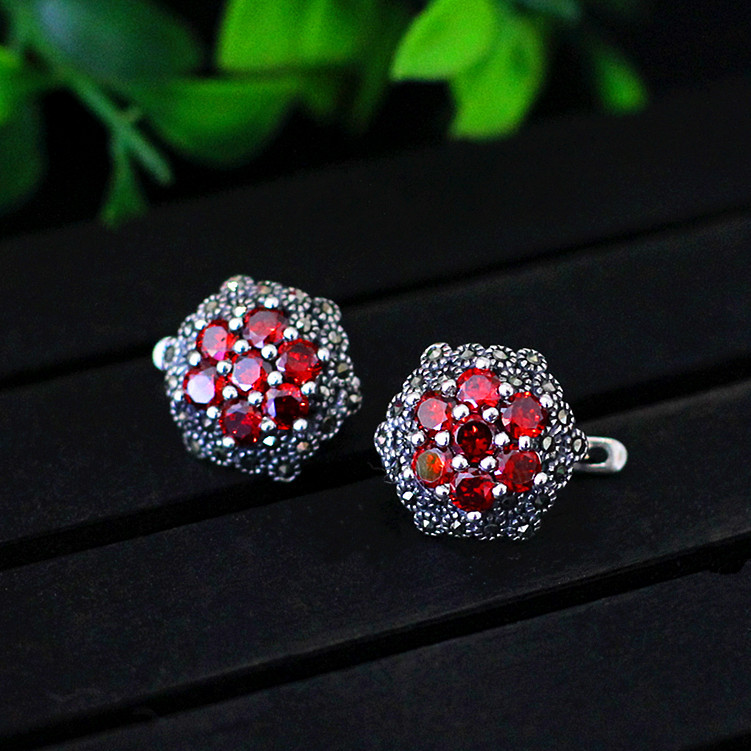 S925 sterling silver jewelry wholesale red garnet female ear clip jewelry free shipping man s925 sterling silver jewelry silver jewelry jewelry red corundum skull ring new free shipping