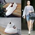 Moda transpirable Zapatos Blancos Slipony Mujer Calzado 2017 Primavera Verano Pu lace up Casual Zapatos de Plataforma plana zapatos de Los Estudiantes