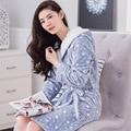 Roupões De Banho para Mulheres 2016 Outono Inverno Com Capuz Senhora Salões de Manga Comprida de Flanela Robe Feminino Sleepwear Camisola Pijamas