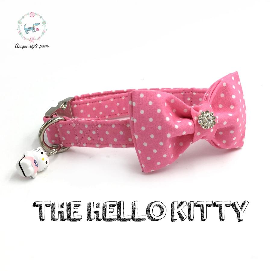 rožinė taškų šunų apykaklė su lanko kaklaraiščiu ir varpiniu asmeniniu naminiu gyvūnėlių augintiniu, siūlantis dizainerio produkto šunį ir kačių karolį XS-XL