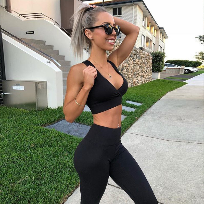 2019 Women 2 Pieces Suit Crop Tank Striped Leggings Set Polyester Female Sport Bodysuit Club Outfit Sporting Tracksuits