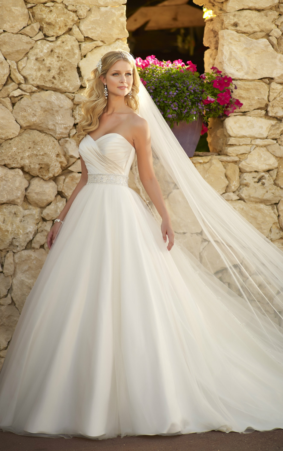 Tulle and Satin ball gown Elegant sweetheart neckline Diamante ...