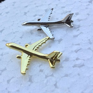 Image 3 - Odznaka Airbus A 321, Metal, srebro, broszka w kształcie samolotu, specjalna upominek z pamiątkami dla załogi Filght Pilot Avaiton Lover