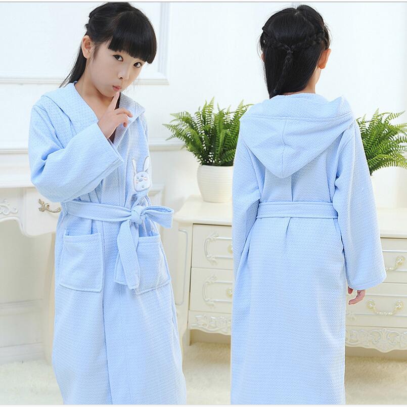 new 2017 kids white cotton bathrobe boy hooded poncho towel pink bathrobe for girls roupao blue loose long pajamas bath robes