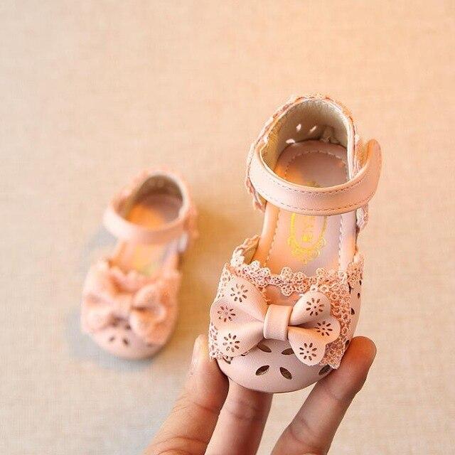 2019 Baru Renda Bowtie Putri sandal bayi perempuan penjualan Panas PU kulit Bayi musim panas anak Sepatu sandal chindren