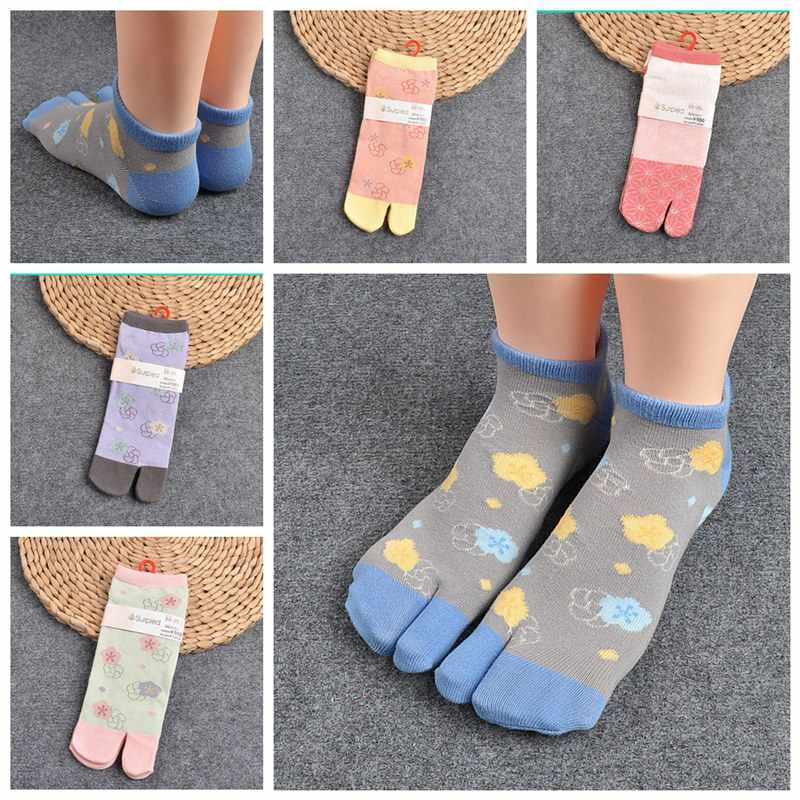 bb4ca0f8a83a 1 Pair Women Sandal Short Socks Samurai Split Toe Socks Ladies Print Kimono Flip  Flop Carp