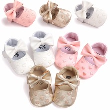 цена на New Fashion Spring/Autumn Baby Girl Shoes Very Lovely Heart-Shaped Hook & Loop First Walkers Baby Shoes Soft Sole Princess Shoes