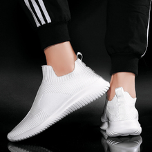 2019 Fashion Trendy Men Shoes Slip-on Comfortable Light Breathable Mens Sneakers Flying Weaving Walking Summer Casual