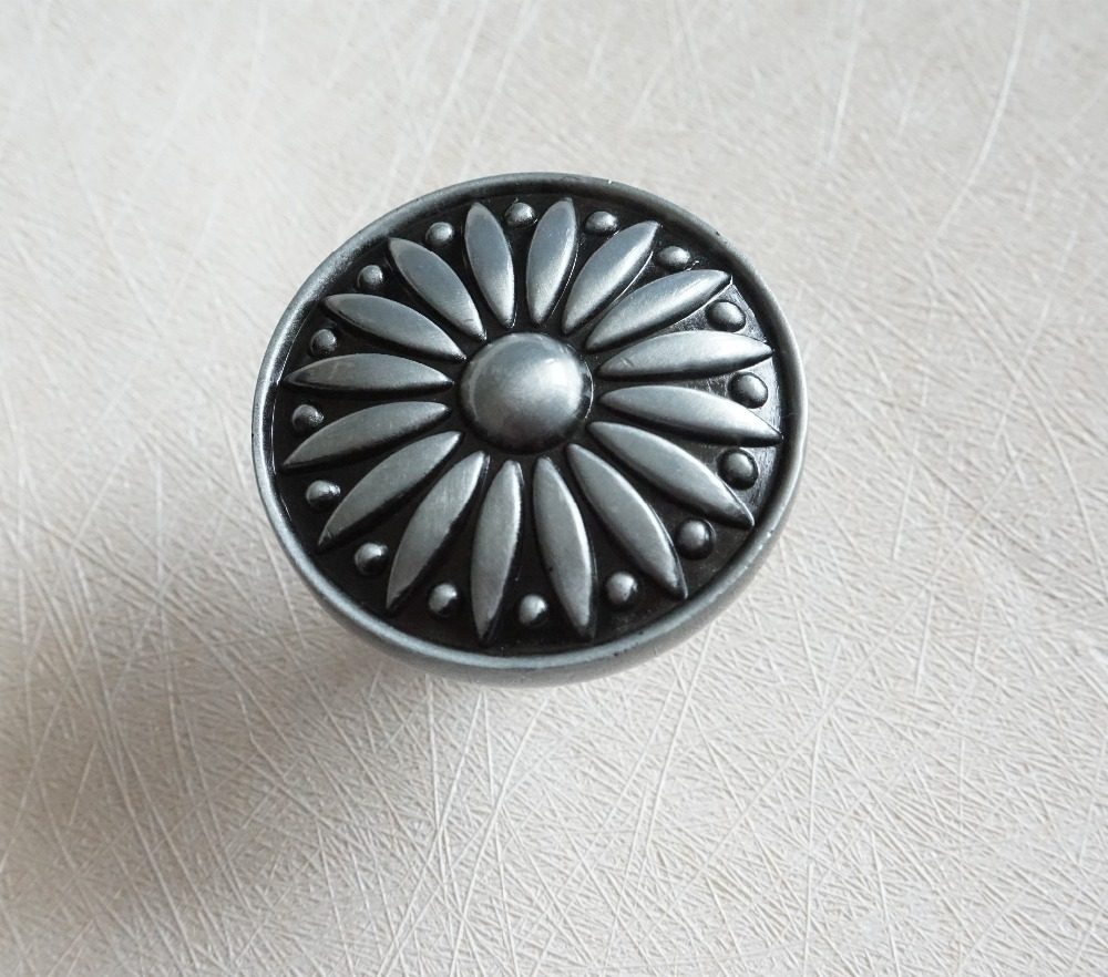 Dresser Knob Drawer Knobs Pulls Handles Gray / Grey Kitchen Cabinet Knobs / Vintage Furniture Door Knob  Hardware Solid Metal chic sunflower pewter kitchen cabinet knobs drawer dresser pulls handles cupboard closet door knob modern furniture hardware