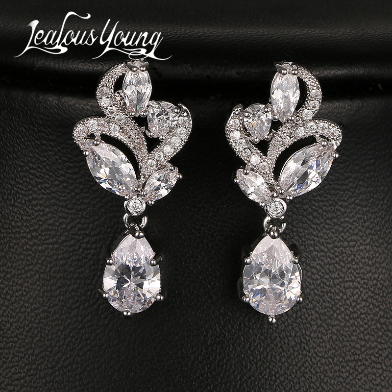Fashion Flower Sparkling Små CZ Halo Drop Wedding Earrings Eleganta & Charmiga Long Earings Smycken För Kvinnor Present AE131