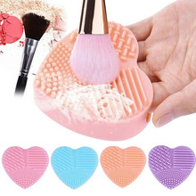 1PC Makeup Brush Cleaner Silicone Heart Shape Finger Glove Washing Scrubber Board Cosmetic Brush Cleaning Mat Pad Tool silicone makeup brush cleaning mat washing tools hand tool large pad sucker scrubber board washing cosmetic brush cleaner tool