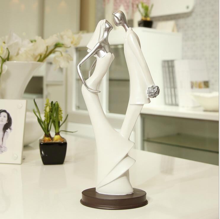Modern Creative Couple Statuette Wedding Ornaments