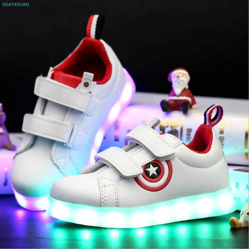 57283c15 Капитан Америка детская обувь с подсветкой светящиеся кроссовки для  мальчиков и девочек зарядка через USB Спортивная