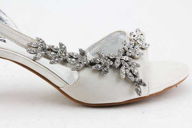 2014 Designer SAMRITA Brand Wholesale Royal Ivory Kitten Heel Rhinestone  Strappy Sandals Prom Wedding Bridal Shoes-in Women s Sandals from Shoes on  ... 363c814879