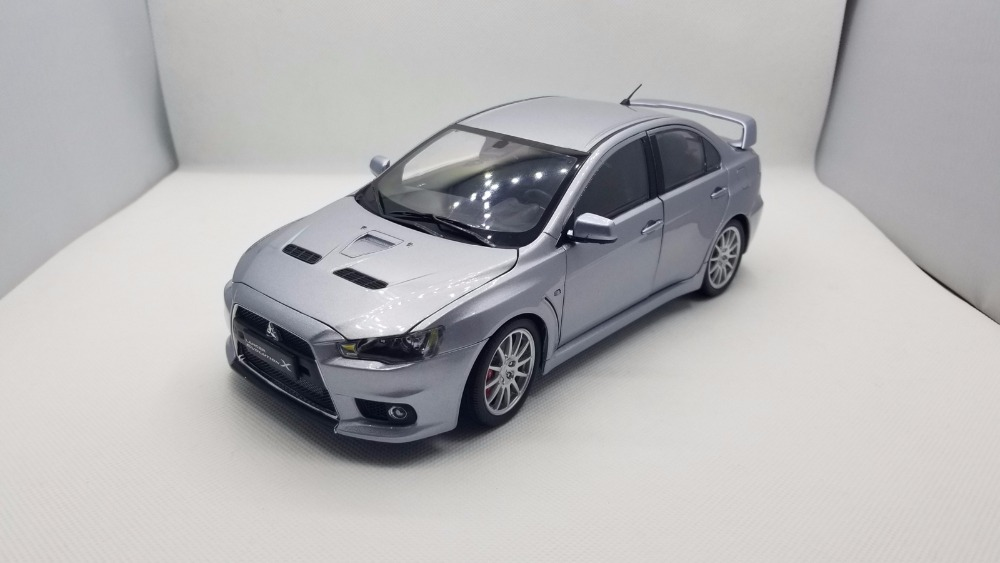 1:18 Diecast Model for Mitsubishi Lancer Evolution X Silver Alloy Toy Car Miniature Collection Gifts EVO X автомобиль mitsubishi lancer evolution 8