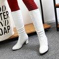 Mulheres Botas 2017 Primavera Dedo Apontado de Calcanhar Quadrado Branco Slip-on Botas Longas Senhoras Trabalham Sapatos Casuais Projeto Conciso Botines Mujer