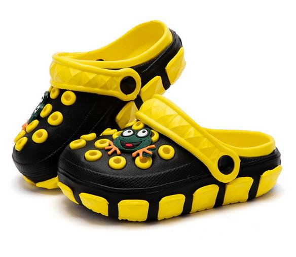 2018 Summer Outdoor Kids Cartoon EVA Clog Sandals Boys Beach Shoes Boys Girls Slippers Comfortable Cute Slippers Baby Sandals