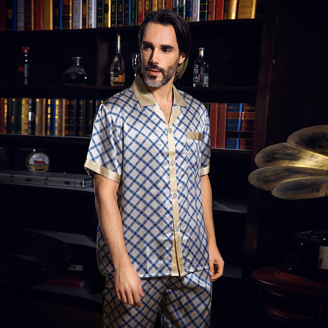 2017 New Summer Men's Silk Pajama Men Short-Sleeve 100% Silk Sleepwear Pajamas Pyjamas Sets Pants 2 Piece Set Loungewear Clothes