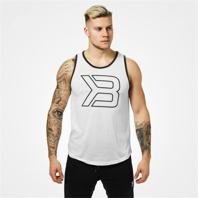 2018 Mens Tshirts Summer New Fitness Tank Top Men Gyms Tank Top Fashion Trendy Breathable Cotton Sleeveless Men Tank Top