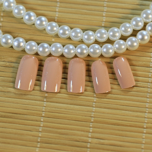 24pcs High Quality Charming Fake Nail Natural Pink Shimmer Glitter Design Nail Art False Tips Medium Full Cover False Nails Z157