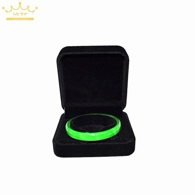 Free shipping 9cmx9cmx4cm Velvet Box For Bracelets Valentines day