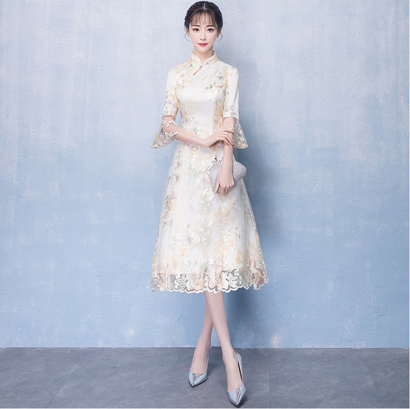Пикантные бежевые китайский свадебное платье Qipao Мини Cheongsam модные короткие Qi Pao традиционные для женщин вечернее платье, китайское невесты ...
