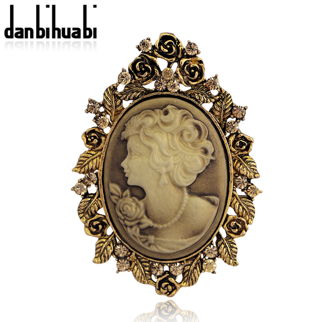 Fashion Vintage Jewelry Cameo Brooch Pin Beauty Queen Crystal Rhinestone  Christmas Antique Gold Silver color Brooches For Women cd04cb3c1d93