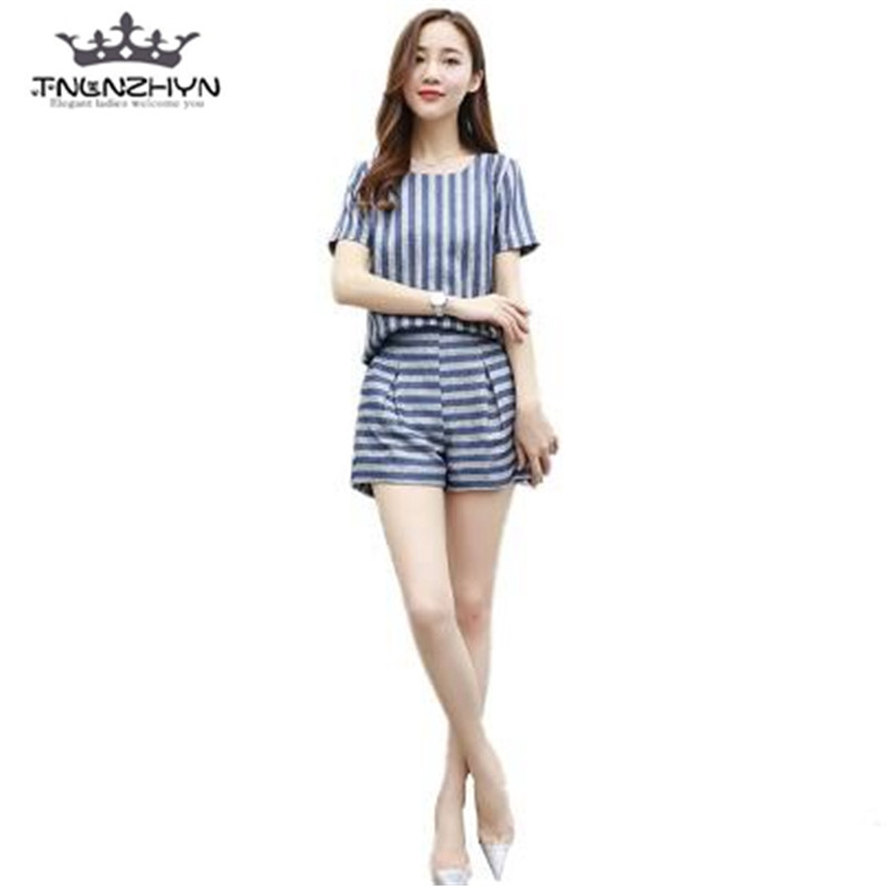 tnlnzhyn 2017 Fashion Summer Women Suit 2 Pieces Set Short sleeves Stripes Tops And Shorts Sets