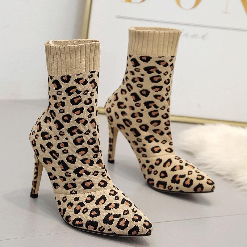 e94d09197ce Handsewn Nouveau Courtes Mi mollet Léopard 2019 Chaussures À Femmes Mujer  Escarpins Botas Femme Mince Bottes Tricoté Laine Chaussettes ...