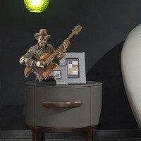 Музыкальные фигурки саксофон гитарист античная латунь бюст статуя Творческий ремесленник салон украшения G1198
