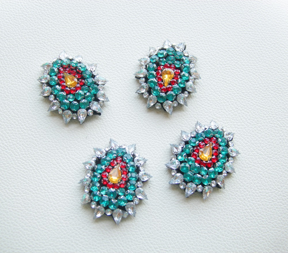 Small Size Beads: 8pcs Small Size Beaded Diamond Green Red Shield High
