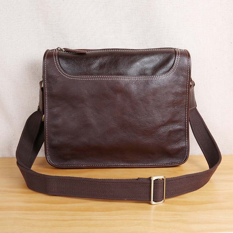 AETOORetro leather mens bag shoulder bag casual tide head layer leather Messenger bagAETOORetro leather mens bag shoulder bag casual tide head layer leather Messenger bag
