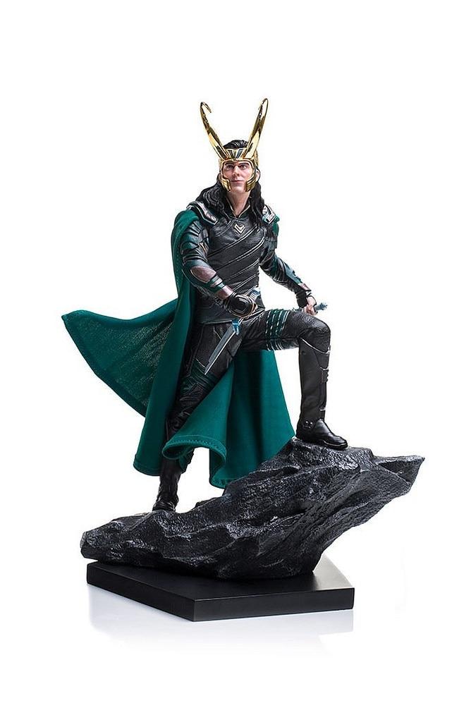 Galleria fotografica New Marvel Super Hero Film Thor Ragnarok The Avengers Loki Laufeyson Odinson 25cm Iron Studios Figure Figurine Toys