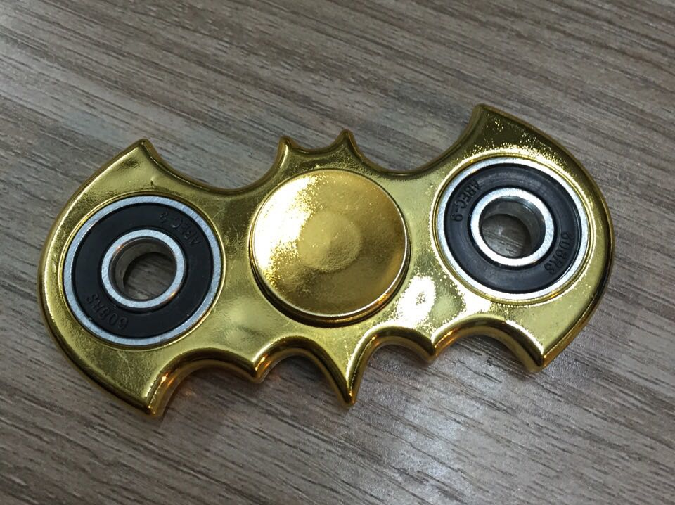 CE Approval Gold Plating Bat Shape Fidget Hand Spinner Batman EDC Tri Finger Toys For Relieve