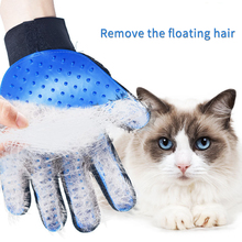 лучшая цена Cat Grooming Glove Soft Silicone Pet Hair Deshedding Brush Comb Glove for Pet Dog Cats Bath Cleaning Massage Gloves for Animal