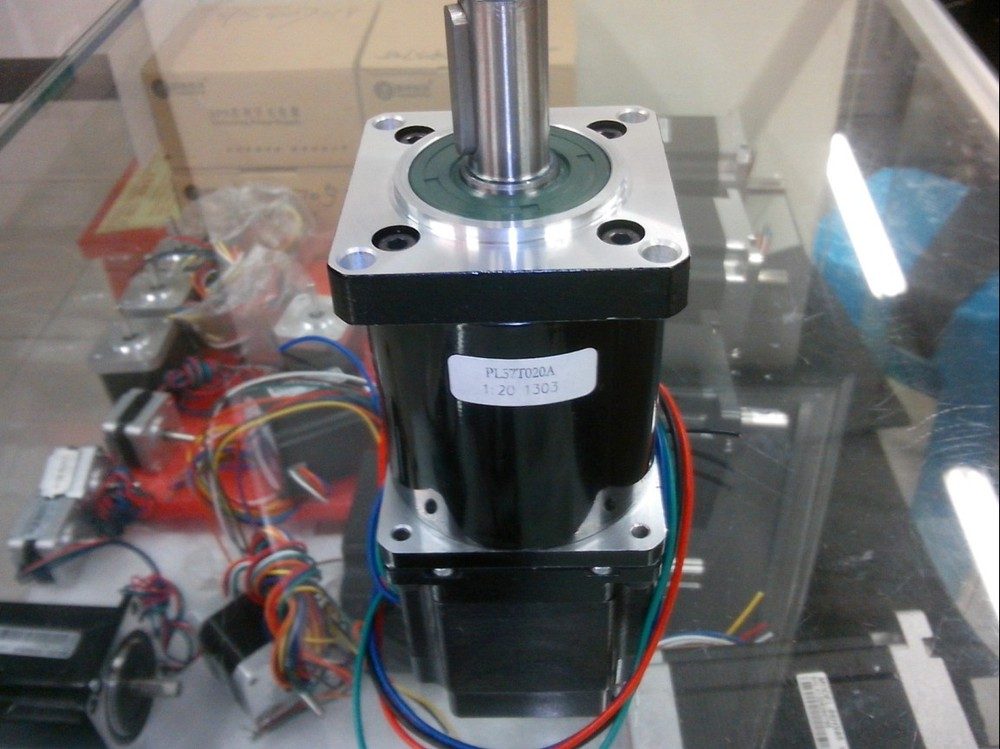 New planetary speed reducer 1:20 install with a Leadshine stepper motor NEMA 23 make up gearbox or gearmotor out 44NM shaft 14 a stepper motor nema 17 out 0 3nm install with a worm reducer make up a stepper motor deceleration gearbox