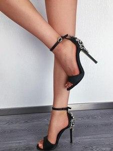 Image 2 - صنادل نسائية مثيرة Ctystal أحذية نسائية فاخرة كبيرة من حجر الراين الخنجر صنادل كعب 11.5 سنتيمتر تخفيضات كبيرة