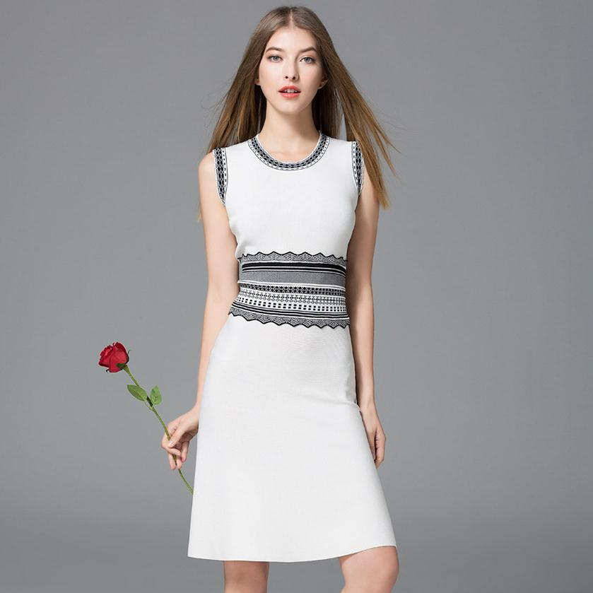 Hot sale 2017 new fashion female spring and summer round neck Slim was thin retro embroidered sleeveless knitted dress wj793 colorful brand large size jeans xl 5xl 2017 spring and summer new hole jeans nine pants high waist was thin slim pants