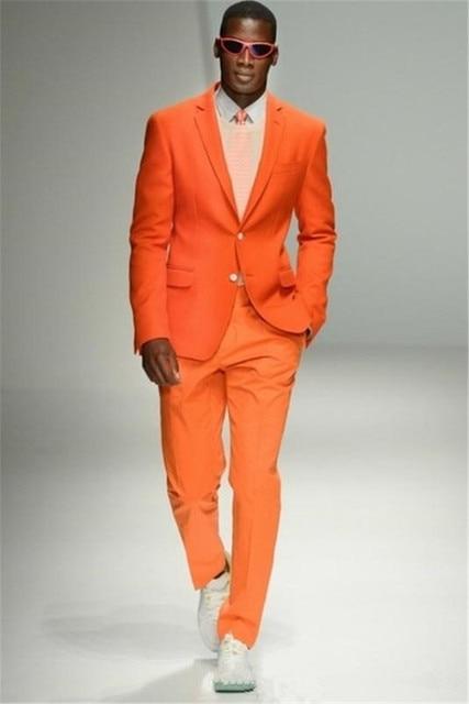 3986fdd18 Moda naranja hombres jóvenes desgaste diario 2018 trajes esmoquin de novio  para tema boda trajes de