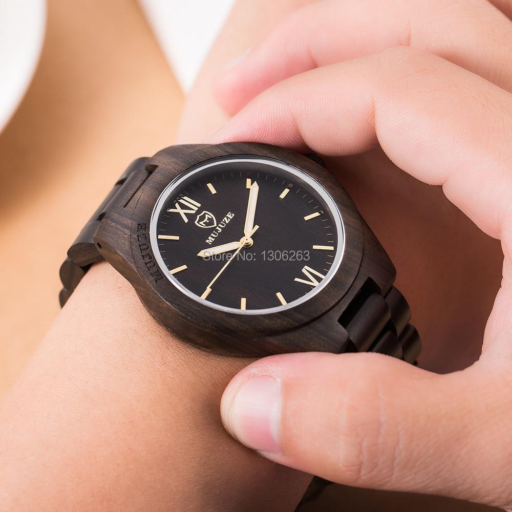 Los hombres exclusivos de diseño exquisito visten el reloj de madera - Relojes para hombres
