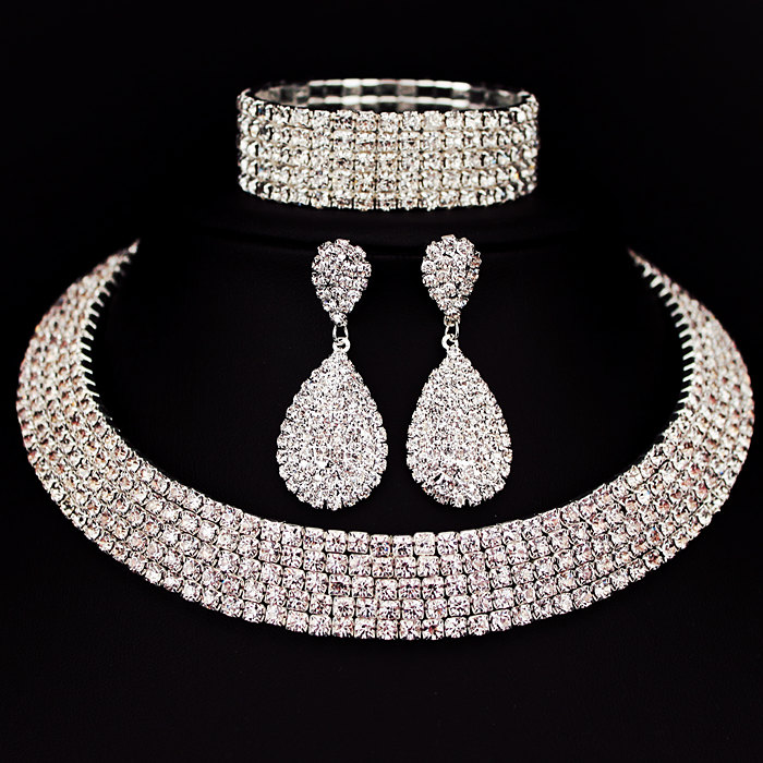 Hot Selling Bride Classic Rhinestone Crystal Choker Necklace Earrings and Bracelet Wedding Jewelry Sets Wedding Accessories