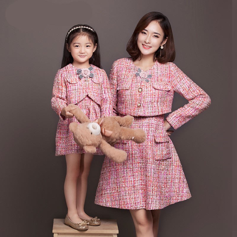купить Maggie's Walker mother and girls new autumn and winter Englang style dress suit family small mother two piece authentic suit дешево