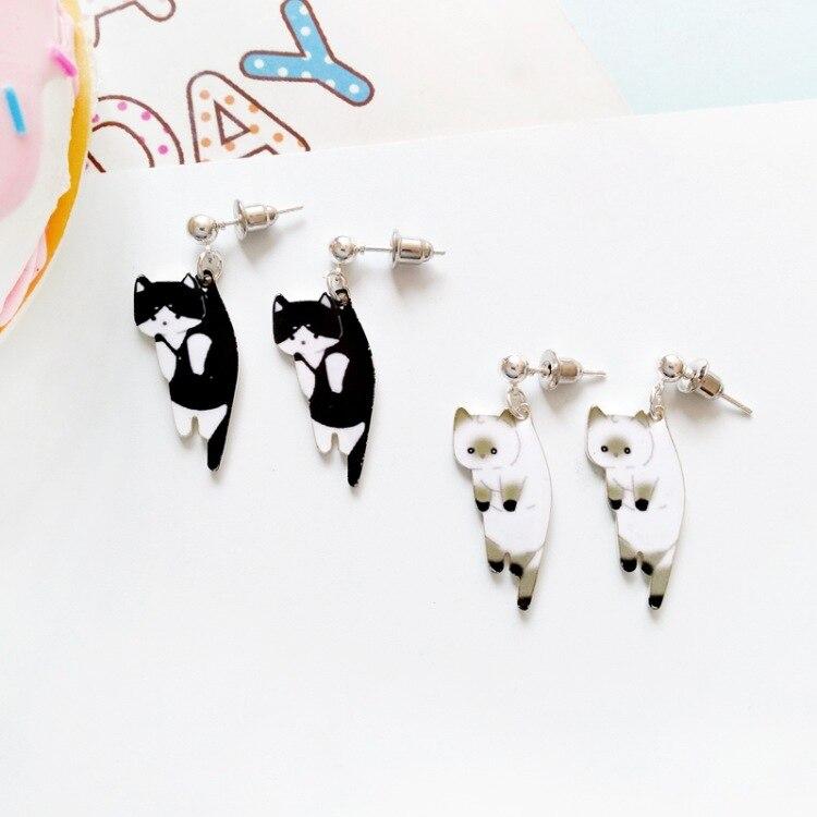 1 pair 2019 New Fashion Cute cat earrings white black white hang enamel kitty Piercing Ear stud earrings women girls jewelry Пирсинг ушей
