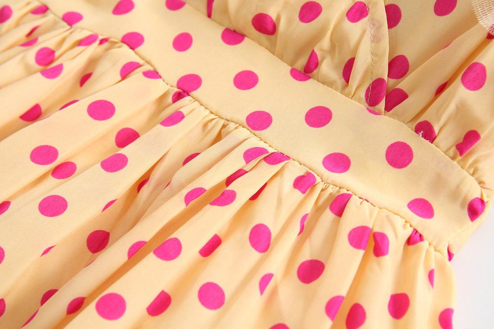 Täpilised tüdrukute kleidid
